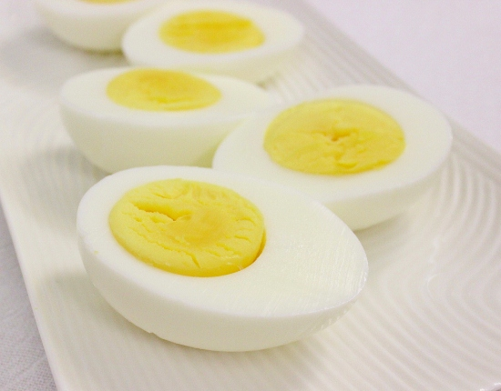 Hard-Boiled-Eggs-550x430